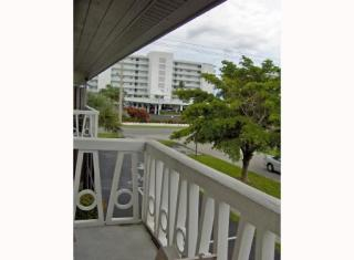 510 Lake Shore Dr #33, Lake Park, FL 33403
