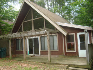 1034 Country Place Dr, Tobyhanna, PA 18466