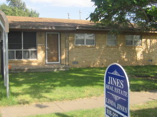 1513 S Indiana St, Perryton, TX 79070