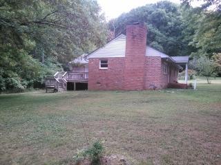 13076 W Patrick Henry Rd, Ashland, VA 23005