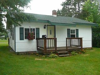 756 8th Ave S, Park Falls, WI 54552