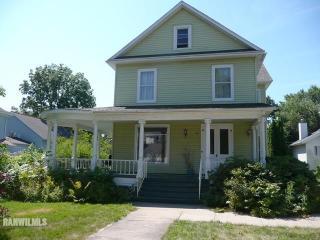 412 Oak Street, Lena IL
