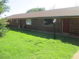 1101 Mary Dr, Iowa Park, TX 76367