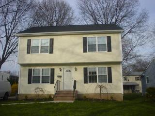 108 Andrew St, Green Brook, NJ 08812