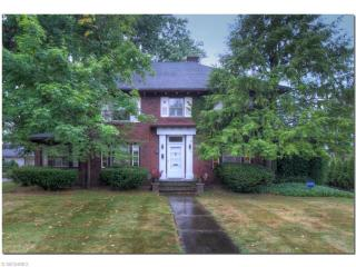 2954 Eaton Rd, Shaker Heights, OH 44122