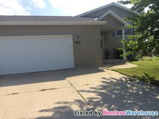 914 7th Ave NW, Hutchinson, MN 55350