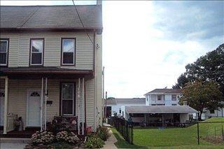 27 N Washington St, Cleona, PA 17042