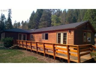 5756 Little River Rd, Glide, OR 97443