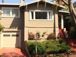 1371 Oakland Ave, Piedmont, CA 94611