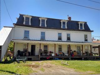 11 Grange St, Dover-Foxcroft, ME 04426