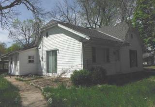 309 N 4th St, Westmoreland, KS 66549