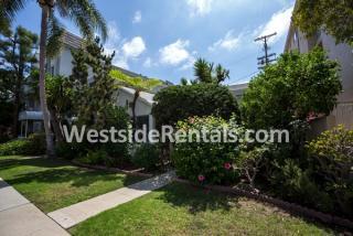 9806 Vidor Dr, Los Angeles, CA 90035