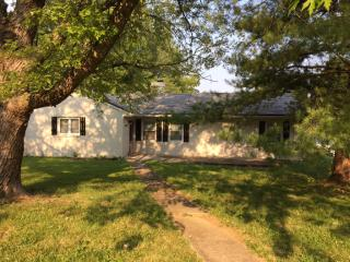 10801 Cherry Grove Ct, Louisville, KY 40299