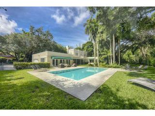 3849 Leafy Way, Coconut Grove FL