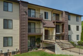 700 Roxalana Hills Dr, Dunbar, WV 25064