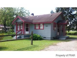 507 W 5th St, Pembroke, NC 28372