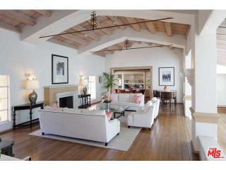 901 N Bedford Dr, Beverly Hills, CA 90210