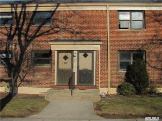 21947 75th Ave, Queens, NY 11364