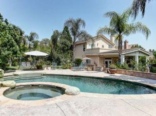 25410 Holmes Pl, Stevenson Ranch, CA 91381