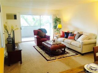 355 S Los Robles Ave #201, Pasadena, CA 91101