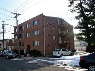 194 Seaview Ave, Staten Island, NY 10305