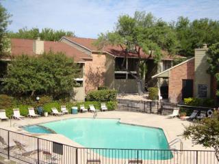 8801 Cinnamon Creek Dr, San Antonio, TX 78240