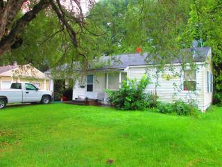 612 Maple St, Lathrop, MO 64465