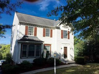 151 Old Meadow Rd, Canonsburg, PA 15317