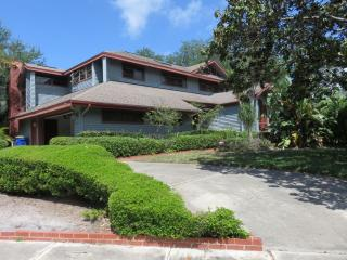 9050 Baywood Park Drive, Seminole FL