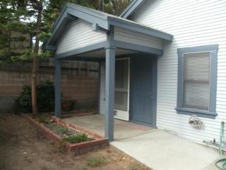 10417 Whitegate Ave, Sunland, CA 91040