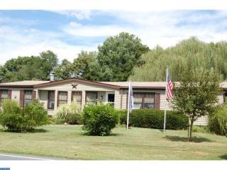 1215 E Main St, Douglassville, PA 19518