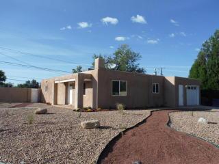 1551 Hendola Dr NE, Albuquerque, NM 87110