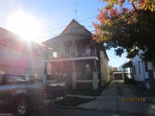 2116 Robin St, Lakewood, OH 44107
