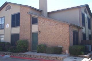 352 W Harwood Rd #D, Hurst, TX 76054