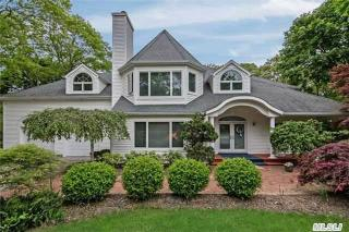 51 Old Meetinghouse Road, Quogue NY