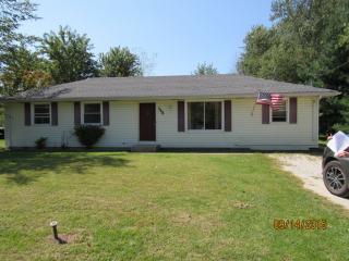 148 N Countryside Ct, Braidwood, IL 60408