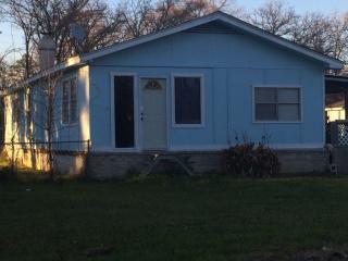 135 Anns Blvd, Livingston, TX 77351