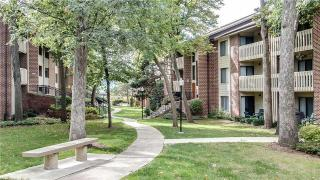 2500 Brush Rd, Schaumburg, IL 60173