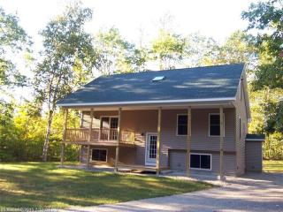 51 Marr Ln, Oxford, ME 04270