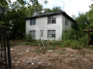406 E 1st St, Elgin, TX 78621