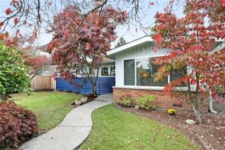 1706 46th Ave SW, Seattle, WA 98116