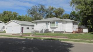 320 4th St SW, Rugby, ND 58368