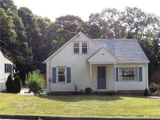 724 Field St, Naugatuck, CT 06770