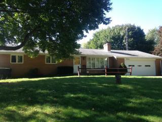 3940 Teakwood St NE, Canton, OH 44721
