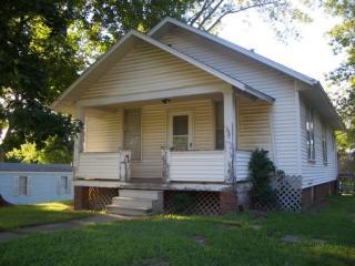 530 W Orchard St, Macomb, IL 61455