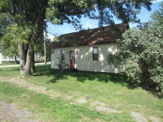 318 Park St, Lerna, IL 62440