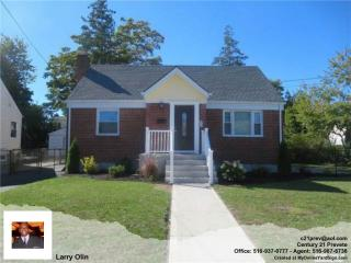 378 Newport Rd, Uniondale, NY 11553