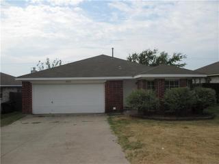 10321 Pleasant Mound Dr, Fort Worth, TX 76108