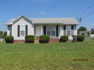 409 Pacific Ave, Oak Grove, KY 42262