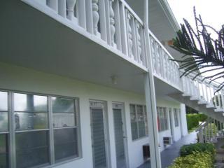394 Northampton S, West Palm Beach, FL 33417